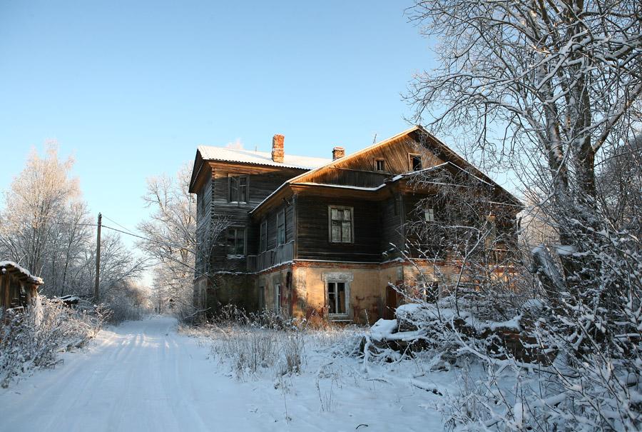 Дом огромный с мезониной фото 252-654